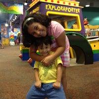 รูปภาพถ่ายที่ Omaha Children's Museum โดย Pamela O. เมื่อ 6/6/2012