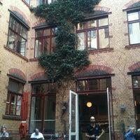 8/23/2012 tarihinde Janette W.ziyaretçi tarafından Barcomi's Deli'de çekilen fotoğraf