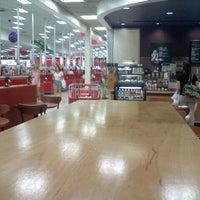 Снимок сделан в Target пользователем Susan 🌺☕️💊 M. 6/17/2012