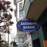 8/31/2012 tarihinde Jack W.ziyaretçi tarafından Arizmendi Bakery'de çekilen fotoğraf