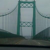 รูปภาพถ่ายที่ Vincent Thomas Bridge โดย Angie G. เมื่อ 7/4/2012