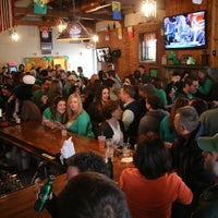 Foto scattata a Brennan's Shebeen Irish Bar & Grill da 95.9 THE FOX il 3/17/2013