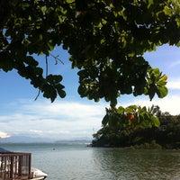 Foto scattata a Pitangueiras Restaurante da Carolina L. il 2/24/2013