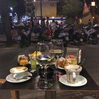 Foto scattata a Caffè Pascucci da Dasha M. il 8/15/2017