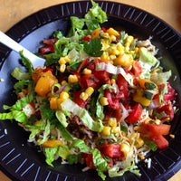3/15/2013 tarihinde Adam B.ziyaretçi tarafından Bandit Burrito'de çekilen fotoğraf
