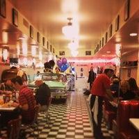 Foto diambil di Lori's Diner oleh Kris &. pada 5/5/2013