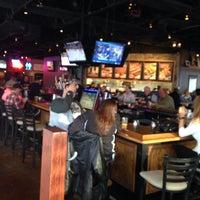 Foto tomada en Sak's Sports Bar por Jason G. el 3/6/2015