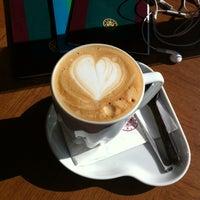 4/27/2013 tarihinde ULKU D.ziyaretçi tarafından Kahve Dünyası'de çekilen fotoğraf