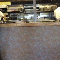 Снимок сделан в East Market Diner пользователем Im Jamie J 10/25/2013
