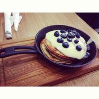 7/15/2013 tarihinde Lizbeth B.ziyaretçi tarafından Breakfast Cafe'de çekilen fotoğraf