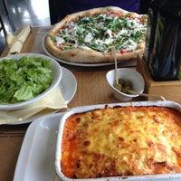 1/20/2013에 Kristina M.님이 Pizzeria Fianona에서 찍은 사진