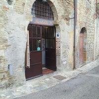 Снимок сделан в Dal Bertelli пользователем Veera R. 10/2/2013
