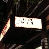 Foto scattata a Roseland Theater da Sue V. il 4/22/2013
