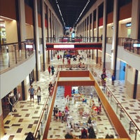 รูปภาพถ่ายที่ Publika โดย Fairul A. เมื่อ 12/16/2012