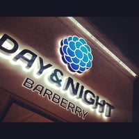 Foto scattata a DAY & NIGHT Barberry da Спартак Nanobug🚀 il 9/27/2013