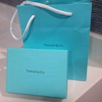 Foto tomada en Tiffany & Co. por MoOn S. el 12/6/2015