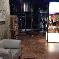 Foto tomada en Hotel Olympia por Juan R. el 12/20/2013