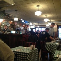 Das Foto wurde bei Luke's Bar & Grill von Melanie T. am 3/3/2013 aufgenommen