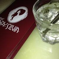 Foto tirada no(a) The Lady Silvia Lounge por jimmi w. em 4/20/2013