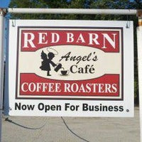 Foto scattata a Red Barn Coffee At Angel's Cafe da Red Barn Coffee At Angel's Cafe il 7/21/2014