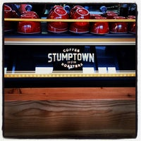 Photo prise au Stumptown Coffee Roasters par Beto & Gigi le9/21/2013