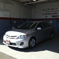 รูปภาพถ่ายที่ DCH Toyota of Simi Valley โดย Jenny D. เมื่อ 3/10/2013