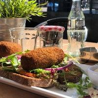 รูปภาพถ่ายที่ Lunch-Café Le Provence โดย Sander B. เมื่อ 9/13/2018