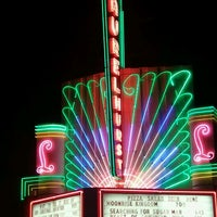 Снимок сделан в Laurelhurst Theater & Pub пользователем Lani M. 7/25/2013