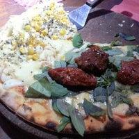 Foto tirada no(a) Pizza Do Rapha por Juliana B. em 11/21/2012