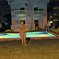 รูปภาพถ่ายที่ Golf Village BELEK โดย Servet Ulusoy เมื่อ 9/16/2018