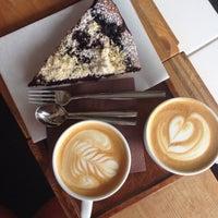 Снимок сделан в EMA espresso bar пользователем Bara O. 8/9/2015