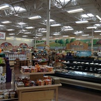 Photo taken at Sprouts Farmers Market by Jeff H. on 10/28/2012