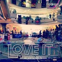 Das Foto wurde bei Esplanade Cineplex Ngamwongwan-Khae Rai von Tony D. am 12/16/2012 aufgenommen