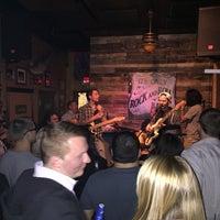 Foto diambil di Bull Bar oleh Gul G. pada 2/21/2015