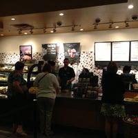 Снимок сделан в Starbucks пользователем Henry C. 5/19/2013