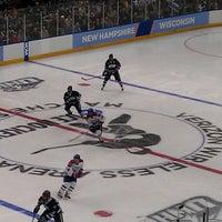 รูปภาพถ่ายที่ SNHU Arena โดย Dan G. เมื่อ 3/30/2013