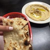 Foto diambil di Gyro & Kabab House oleh Yara A. pada 10/18/2014