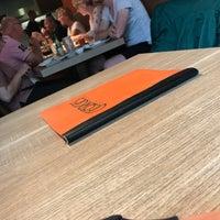 Photo prise au Georges Tea & Lunch par Amber V. le7/29/2018