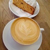 Photo prise au Boréal Coffee Shop par Robert Š. le5/24/2013