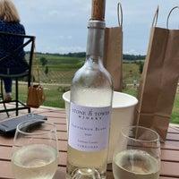 Das Foto wurde bei Stone Tower Winery von Brent F. am 8/7/2021 aufgenommen