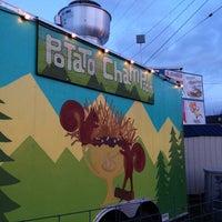 2/24/2013 tarihinde Pat G.ziyaretçi tarafından Potato Champion'de çekilen fotoğraf