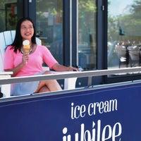 Das Foto wurde bei Ice Cream Jubilee von Ice Cream Jubilee am 8/4/2014 aufgenommen