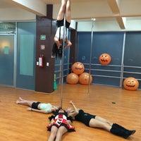 Снимок сделан в Pole Attitude Fitness Center пользователем Fernando A. 11/14/2014