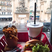 Foto scattata a Burger and Fries da Marta C. il 6/12/2019