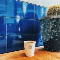 Foto tomada en Mañana Coffee & Juice por Jeremy W. el 7/25/2016