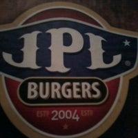 Foto tirada no(a) JPL Burgers por Livia C. em 11/7/2012