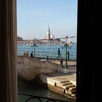 Foto tirada no(a) Ca' Formenta Hotel Venice por Gonca A. em 11/1/2014