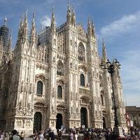 รูปภาพถ่ายที่ Duomo di Milano โดย Elena K. เมื่อ 5/9/2013