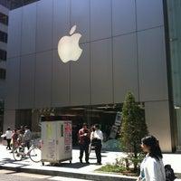 รูปภาพถ่ายที่ Apple Ginza โดย yvonne s. เมื่อ 5/3/2013