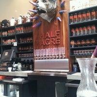 รูปภาพถ่ายที่ Half Acre Beer Company โดย Erin W. เมื่อ 6/11/2013